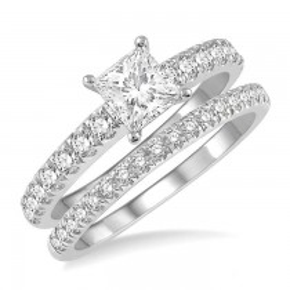 SQUARE SHAPE DIAMOND WEDDING SET